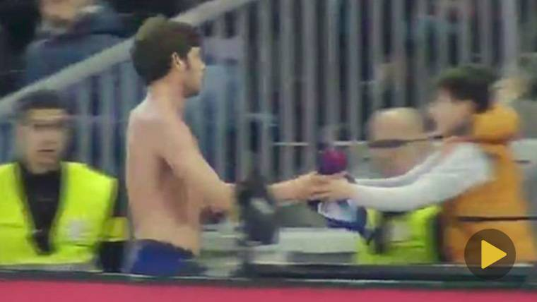 El gesto que honra a Sergi Roberto tras la expulsión en el Celta-Barcelona