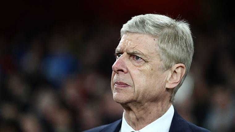 Arsène Wenger deja el Arsenal... ¿Bellerín en el mercado?