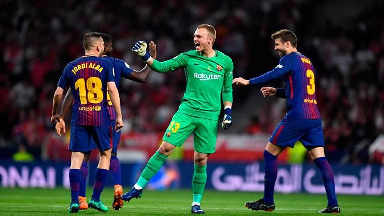 El espectacular pase de Cillessen en el Sevilla-Barça se hace viral