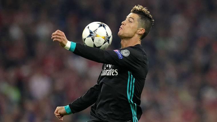 Rabieta continuada de Cristiano Ronaldo por un gol bien anulado