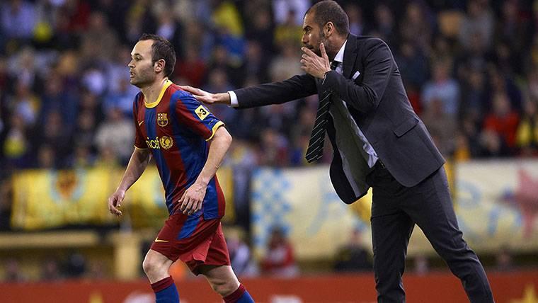 """Guardiola se quita el sombrero: """"Sin Andrés Iniesta, nada habría sido posible"""""""