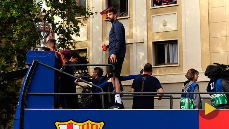 La anécdota más divertida de Gerard Piqué en la rúa: ¡Lanzó las zapatillas!