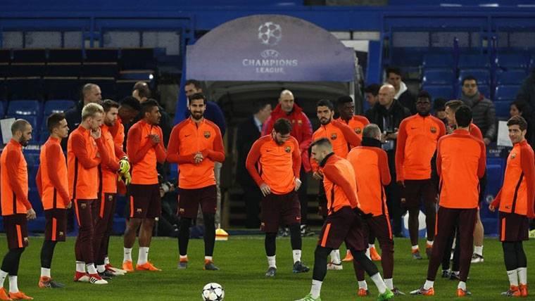 Las 10 decisiones importantes que definirán el futuro del Barça