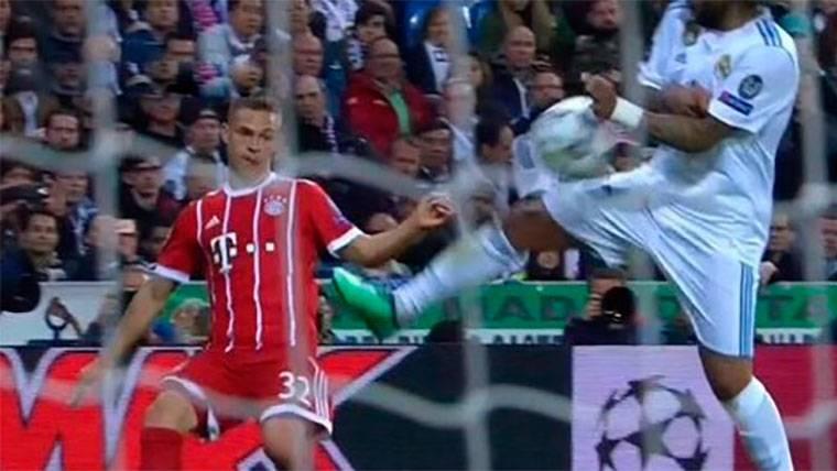 Desvelan el motivo por el que el árbitro no pitó penalti de Marcelo en el Madrid-Bayern