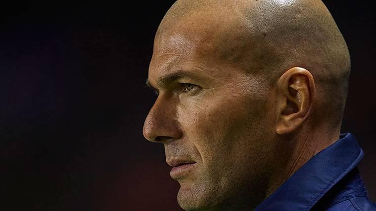 INDIGNANTE: Zidane se estaría planteando jugar ante el Barça con los suplentes