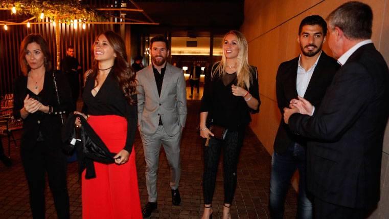 Buen humor y conjura para el Clásico en la cena de gala del Barça