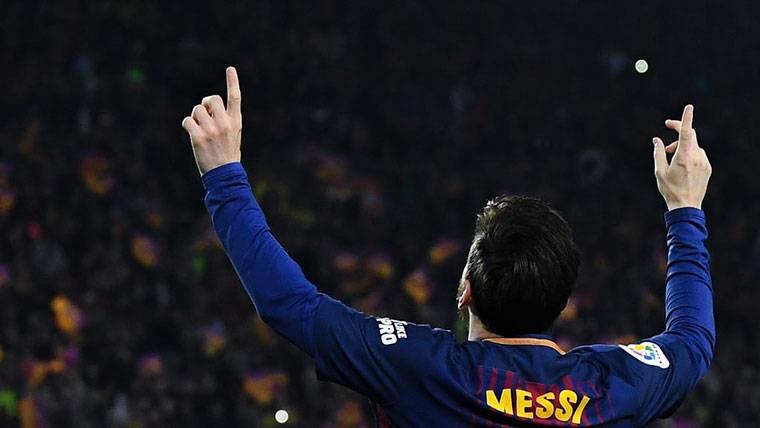 Asistencia mágica de Iniesta para acercar la Bota de Oro a Messi