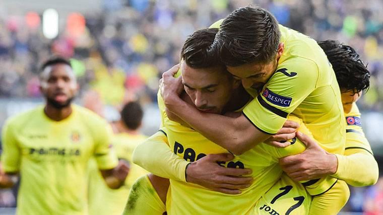 Gol de chiste del Villarreal, que redujo distancias ante el Barça