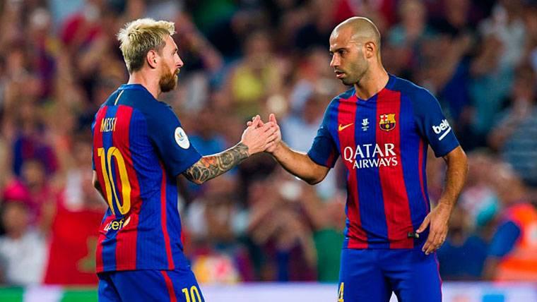 """Mascherano, a los pies de Messi: """"Jamás veremos a un jugador como él"""""""