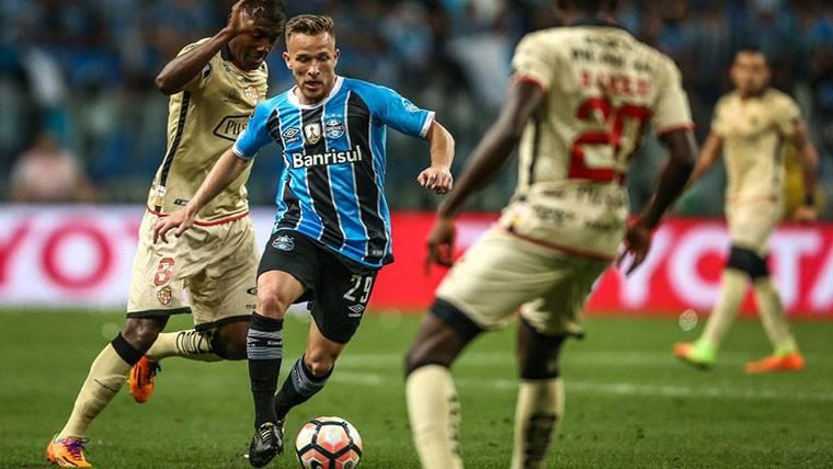 El FC Barcelona toma una decisión con el fichaje de Arthur