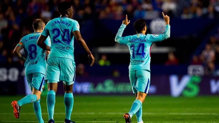 Coutinho y Luis Suárez metieron al Barça en el partido ante el Levante