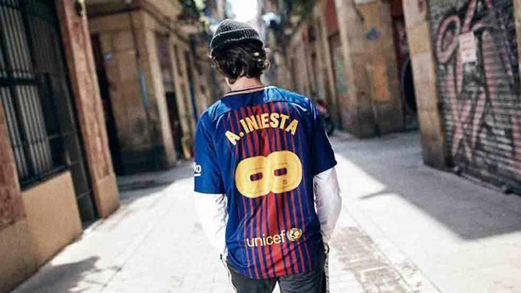 La camiseta especial de Andrés Iniesta
