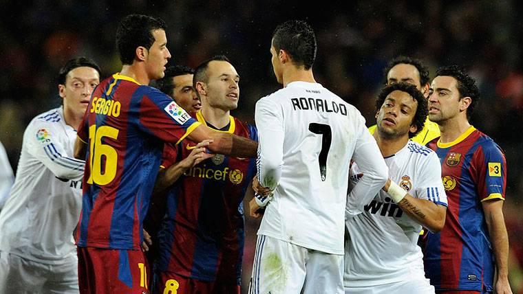 Hasta Iniesta perdía los nervios en la 'era Mourinho'