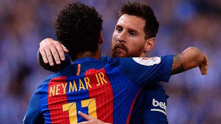 Neymar y Leo Messi celebran un gol del FC Barcelona