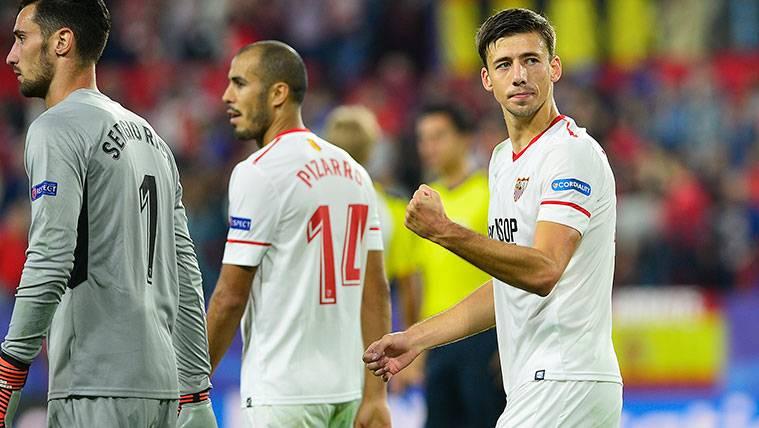 Clément Lenglet celebra una victoria del Sevilla