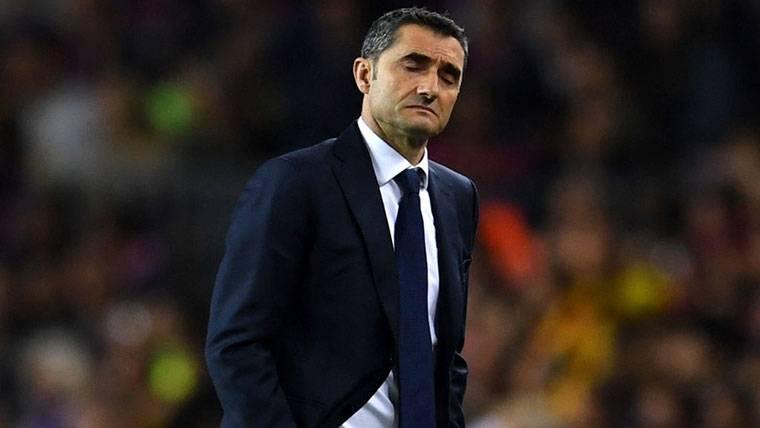 Ernesto Valverde, durante un partido con el FC Barcelona