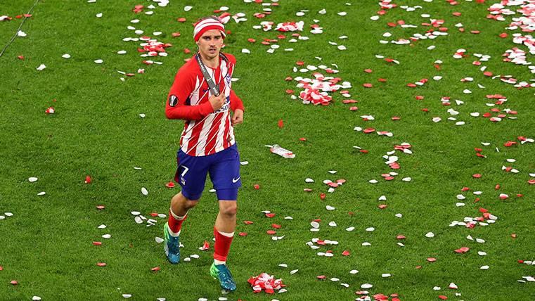 Antoine Griezmann celebra la Europa League con el Atlético