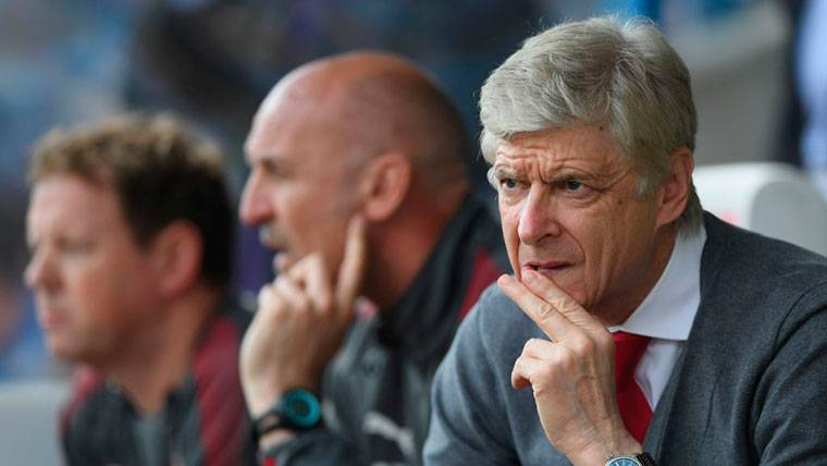 Arsène Wenger, técnico del Arsenal