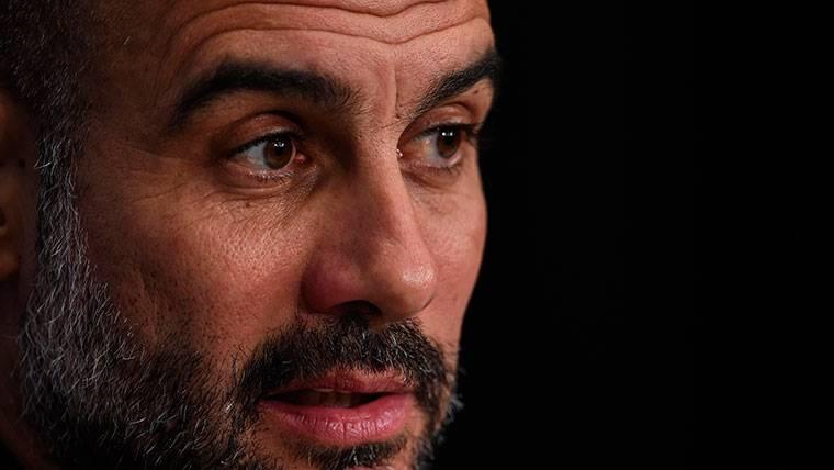 OFICIAL: El Manchester City renueva a Guardiola hasta 2021