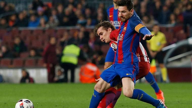 Según AS, Messi habría llamado a Griezmann para traerle al Barça