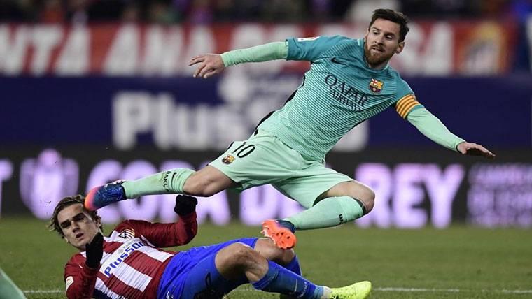 El entorno directo de Messi niega la llamada a Griezmann