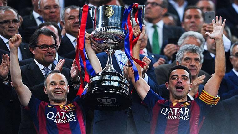 """Carta de Xavi a Iniesta: """"Y decían que no podíamos jugar juntos..."""""""