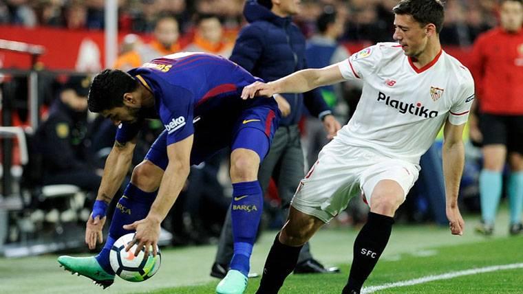 Lenglet ya se ha reunido con el Sevilla y el Barça, pendiente