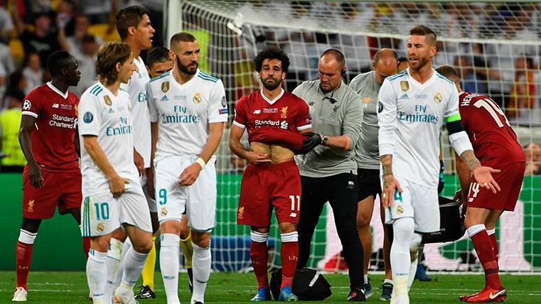 Crean una campaña para que Ramos sea sancionado por lesionar a Salah