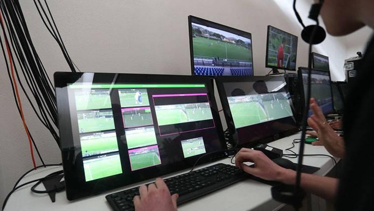 El videoarbitraje (VAR) y las tecnologías que se utilizarán en el Mundial de Rusia 2018