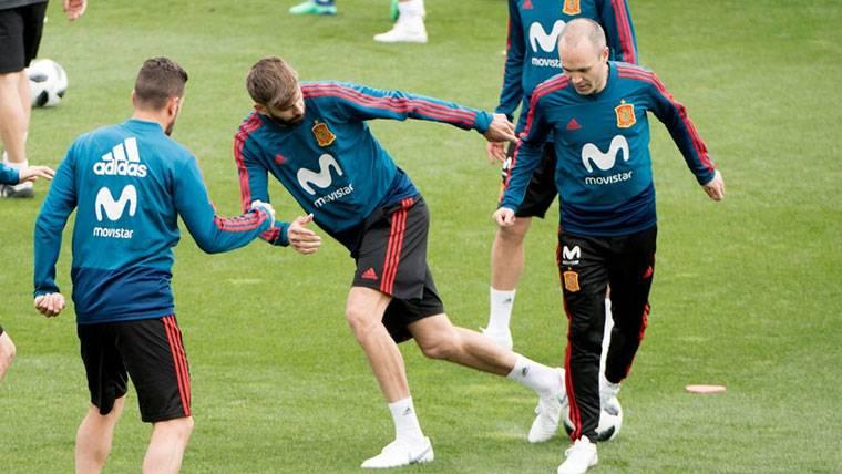 ¿Último partido de Iniesta y Piqué con 'La Roja' en España?
