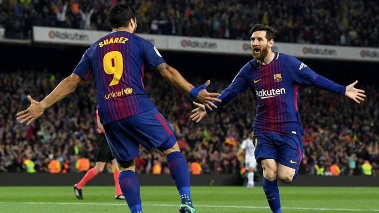Luis Suárez y Messi, celebrando un gol con el FC Barcelona