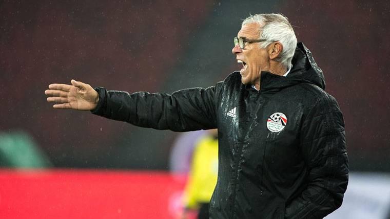 El técnico de Egipto atiza a Ramos sobre la lesión de Salah