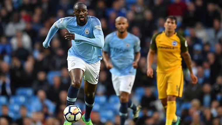 SURREALISTA: Touré Yaya puede jugar por una libra a la semana