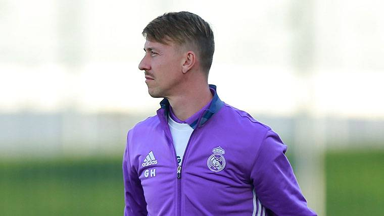 """Zidane ya tendría sustituto: """"Guti va a ser entrenador del Madrid"""""""