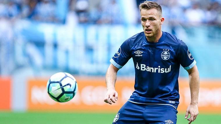 El Gremio admite que Arthur podría llegar al Barça en verano