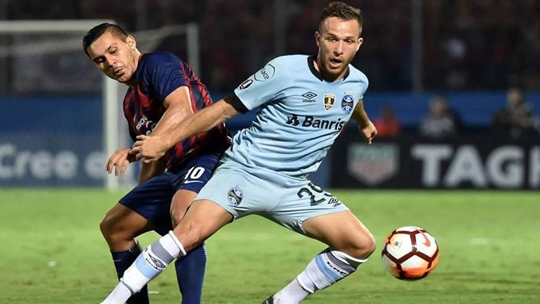 El Barça apretará para cerrar la llegada de Arthur este verano