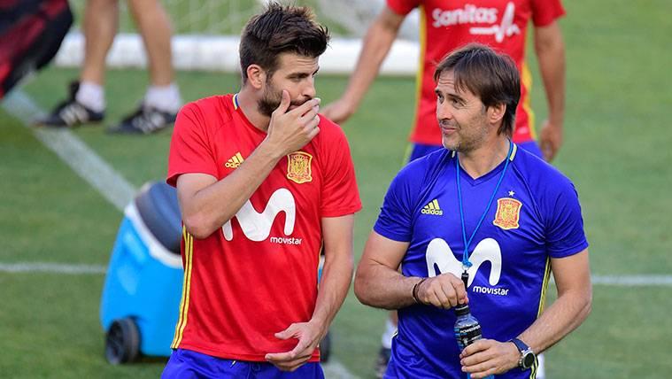 Las rodillas vuelven a dar un susto a Piqué en el entrenamiento de la selección