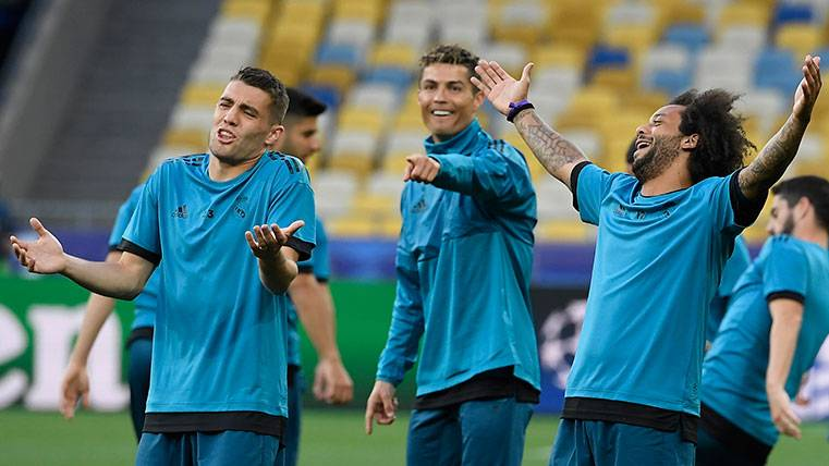 Los jugadores del Real Madrid en una sesión de entrenamiento