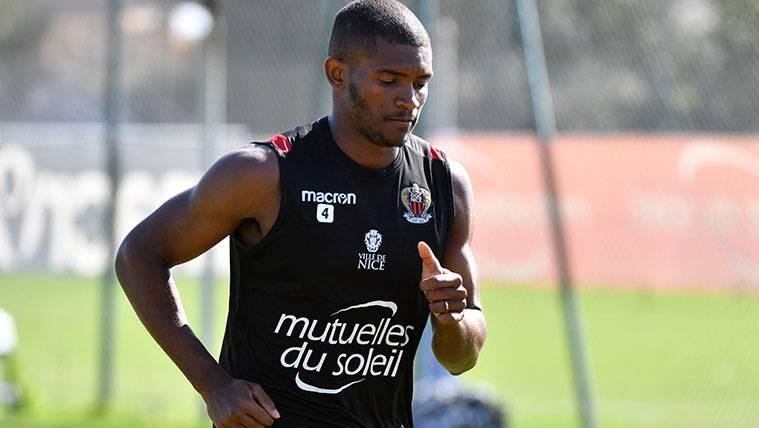 Marlon Santos en un entrenamiento del Niza