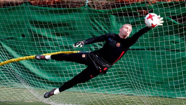 Jasper Cillessen en un entrenamiento del FC Barcelona