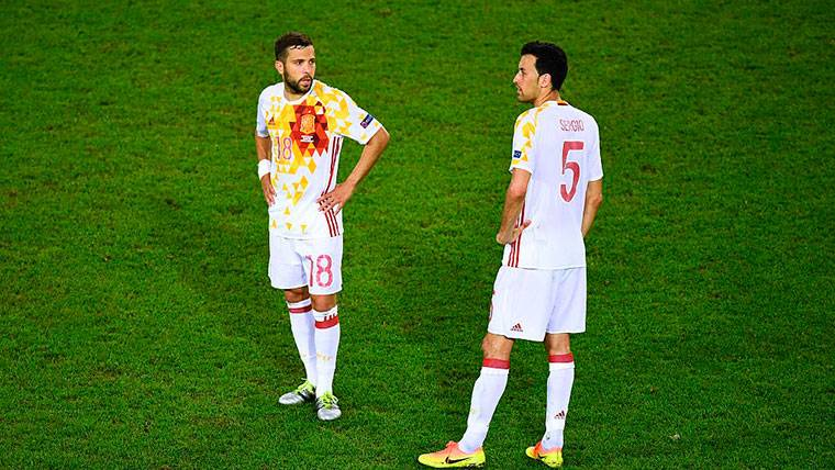 Jordi Alba y Sergio Busquets respondieron a Bartomeu