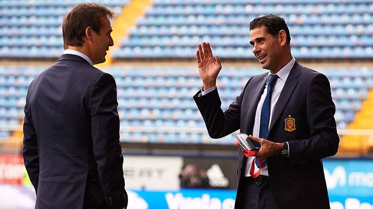 Julen Lopetegui y Fernando Hierro en un amistoso de la selección española