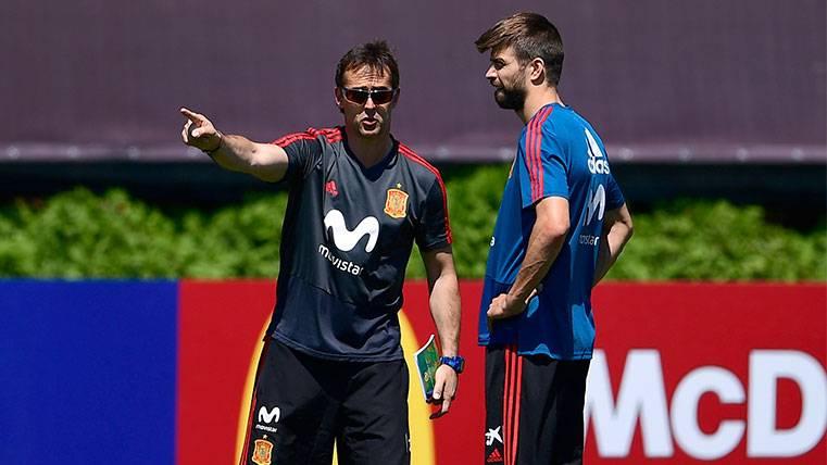 Julen Lopetegui y Gerard Piqué en la concentración de la selección española