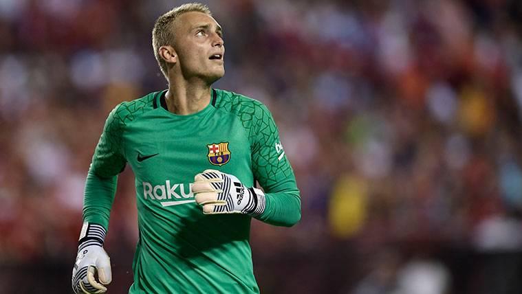 Jasper Cillessen en un partido con el FC Barcelona
