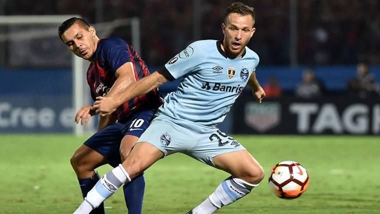 Reunión Barça-Gremio para la llegada inminente de Arthur