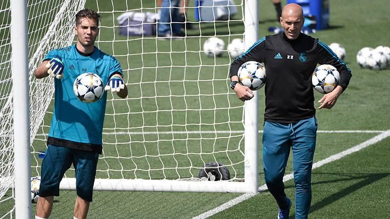 Zidane deja un problema en el Real Madrid que Florentino querría arreglar