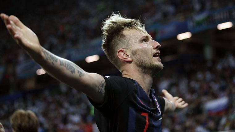 Ivan Rakitic, impresionante en la noche negra de Leo Messi