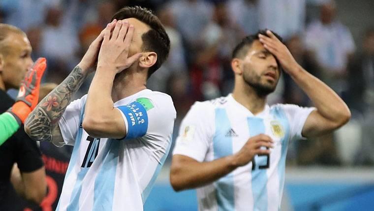"""El injusto 'dardo' de Petit a Messi: """"Debería estar avergonzado"""""""