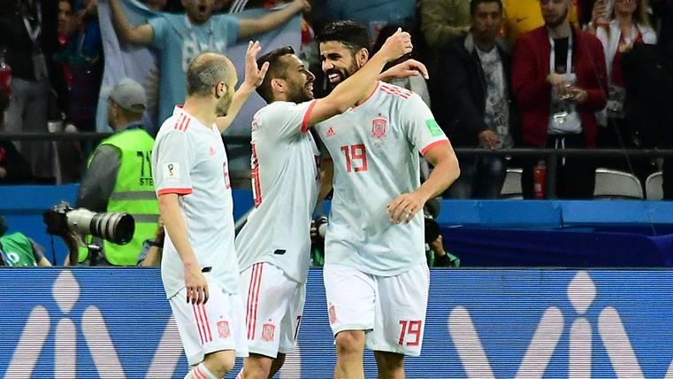 La reacción de Jordi Alba tras las críticas a Andrés Iniesta y Leo Messi