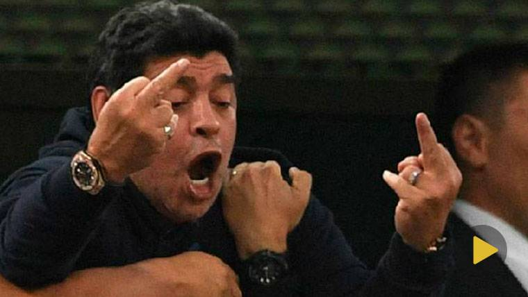 El patético 'show' de Maradona, en el hospital tras ver a Argentina